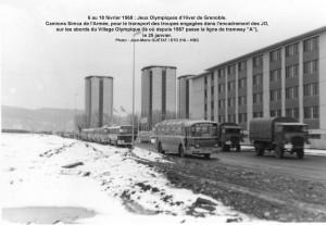 Transports militaires aux JO de Grenoble = camions Simca