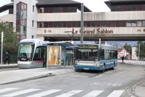 Et à l'autre extrémité, terminus Grand Sablon, en correspondance directe avec le tramway B (24/12/2011)  © Sylvain Blanchard