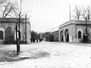 tramway SGTÉ au terminus du Cimetière Saint-Roch