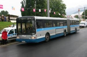 n° 360 le jour de l'inauguration de la ligne C de tramway (20 mai 2006)